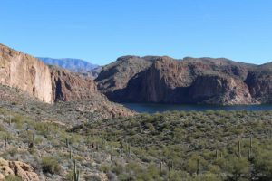 Canyon Lake Vista on Apache Trail