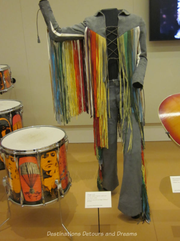 1960s drum stage and stage suit