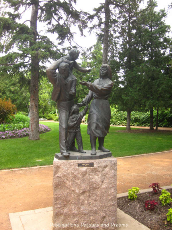 "Leo Mol ""Family Group"" sculpture"