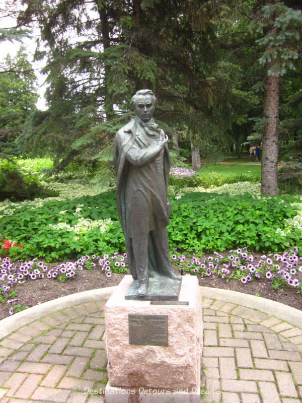 "Leo Mol ""Taras Shevchenko"" sculpture"