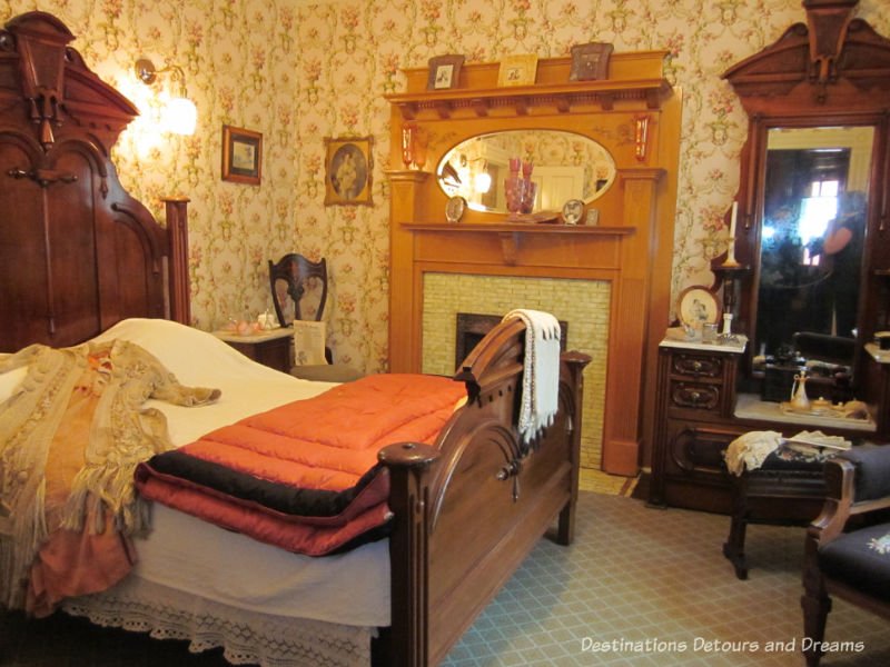 Bedroom at Dalnavert. Museum musings: Do you ever imagine what it would be like to live in the places depicted in museums?