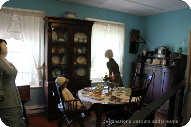 Seven Oaks House Museum dining room
