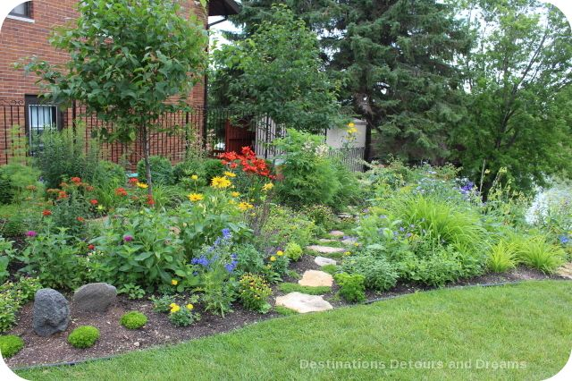 reasons-garden-tour-garden-path