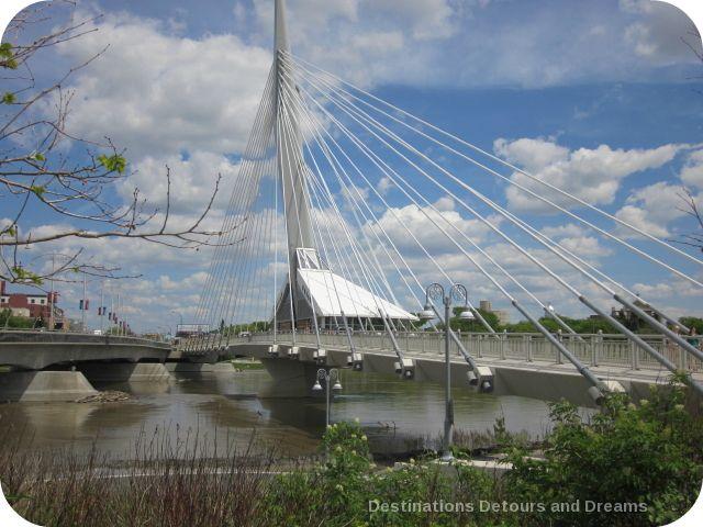 restaurant-bridge