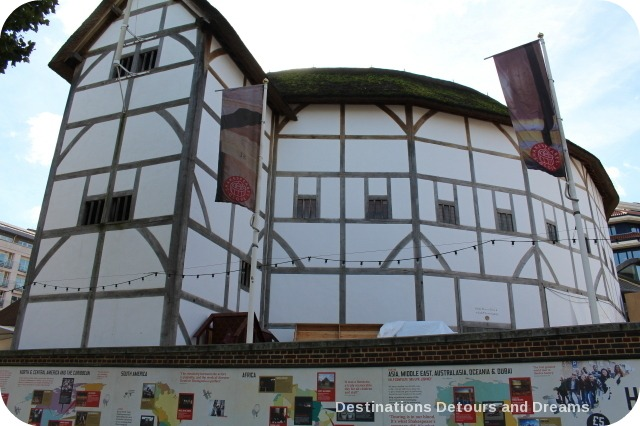 Bankside River Walk: Globe Theatre