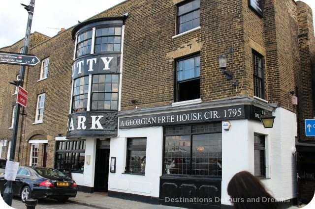 London from the Thames: Cutty Sark Pub in Greenwich