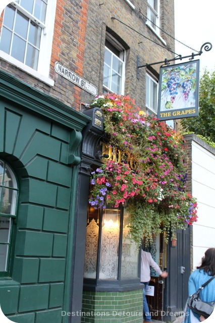 Grapes pub in London