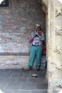 Entertainer at Penniless Porch, Wells