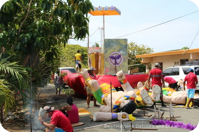 Preparing Carnaval floats