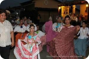 Carnaval pollera parade
