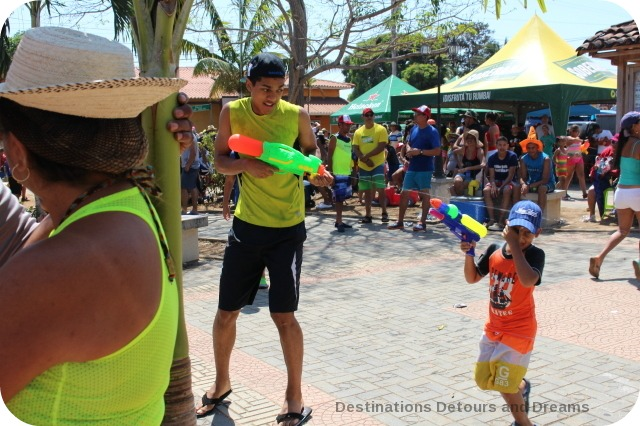 Pedasi Carnaval water fight