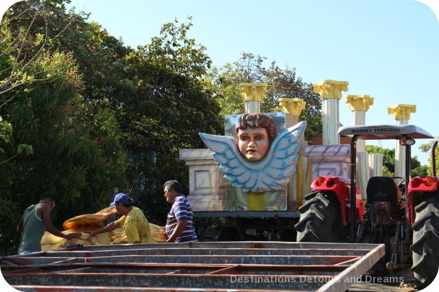 Preparing a Carnaval float