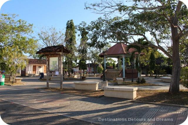 Pedasi town square