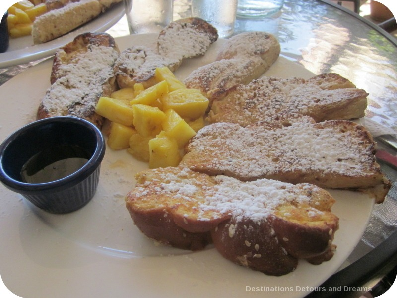 Dining in Pedasi; French toast from The Bakery