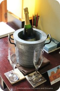 Champagne waiting for us at Brewery Gulch Inn