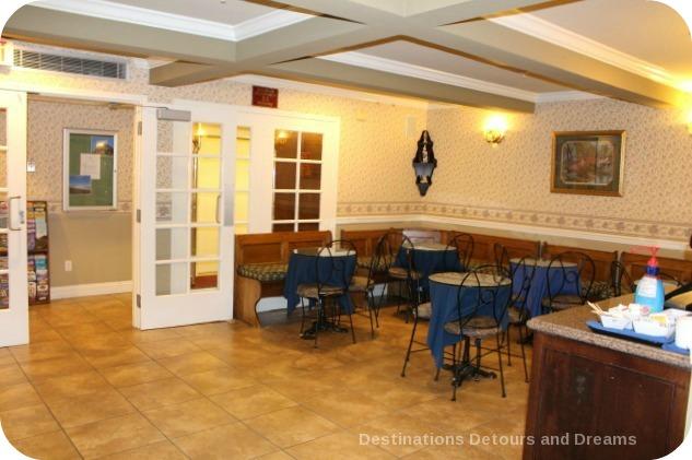 Breakfast area at Ascot Inn at the Rock in Morro Bay, California
