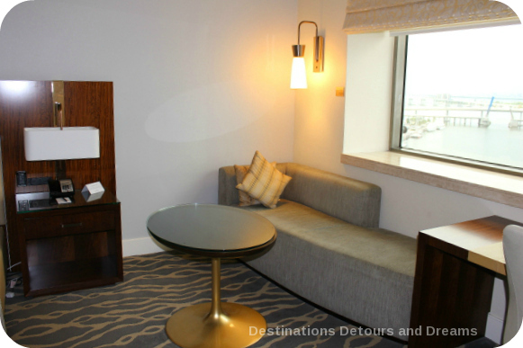 Miami Intercontinental room chaise lounge