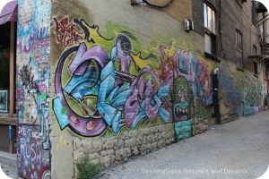 Exchange District photo tour - graffiti in lane