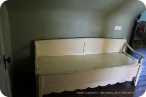 Sleep bench in Friesen Housebarn, Neubergthal