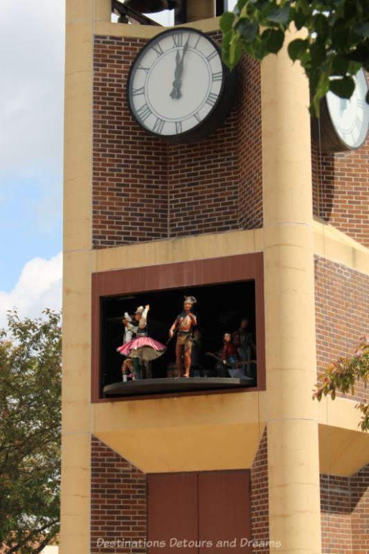 Glockenspiel clock with figurines performing