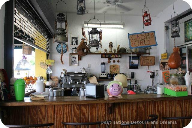 Los Pinareños Fruteria, Little Havana