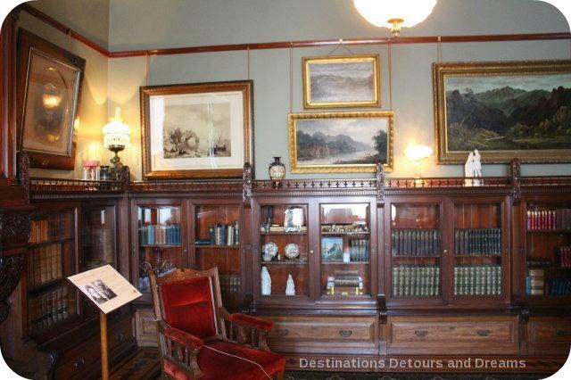 Craigdarroch Castle: Library