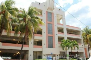 South Beach Art Deco Tour: parking garage