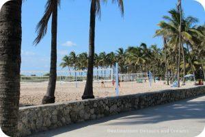 South Beach Art Deco Tour: Beach Volleyball