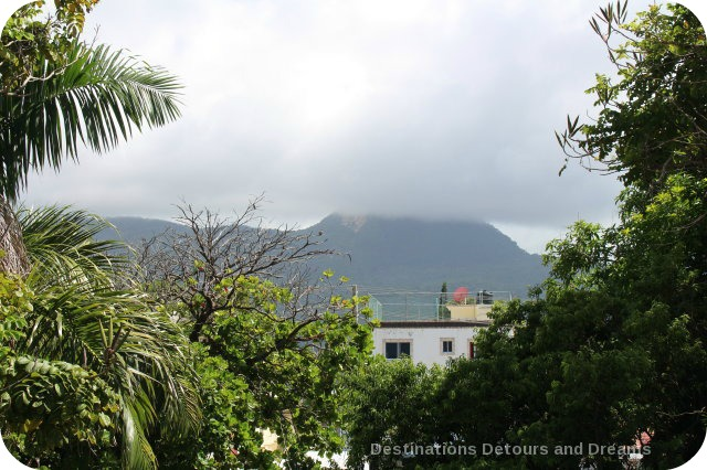 Puerto Plata Highlights: mist on Isabel de Torres Peak