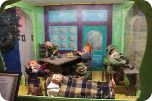 Christmas Fairytale Vignettes: Elves and the Shoemaker