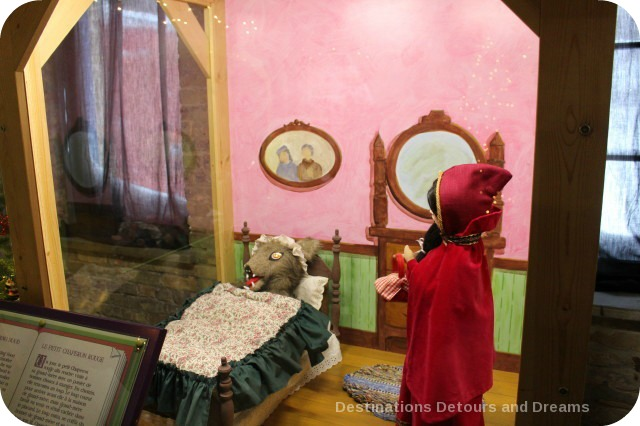 Christmas Fairytale Vignettes: Little Red Riding Hood