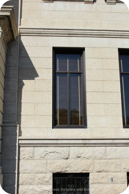 Winnipeg and Tyndall Stone: Fossils and Architecture - two types of finishes on one building