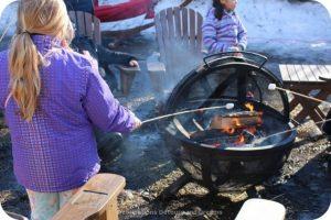 Festival du Voyageur: roasting marshmallows