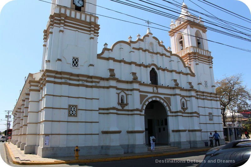 Spanish Colonial Architecture of the Azuero Peninsula: Catedral de San Juan Bautista in Chitré