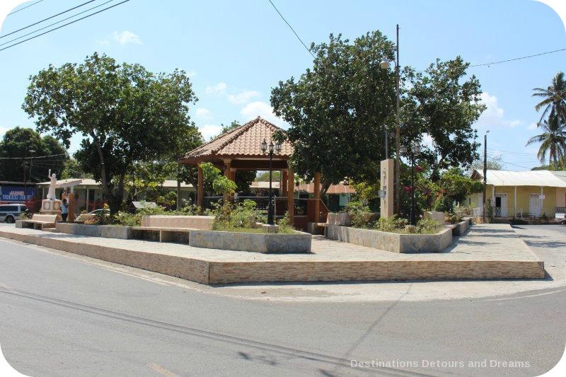 Spanish Colonial Architecture of the Azuero Peninsula: La Arena town square