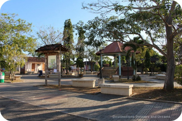 Spanish Colonial Architecture of the Azuero Peninsula: Pedasi town square