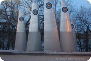 Winnipeg Public Art: High Five by Jennifer Stillwell
