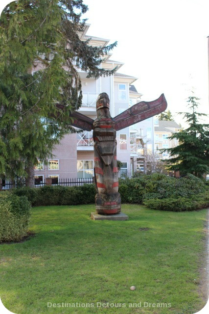 Transformation of Man by Glen Edwards, Andrew Edwards, Herb Rice totem pole in Duncan British Columbia (the City of Totems)