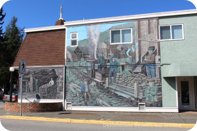 Murals in Chemainus, British Columbia (Muraltown):: Lenora Mines at Mt Sicker by Peter Bresnen