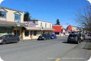 Murals in Chemainus, British Columbia (Muraltown): Oak Street