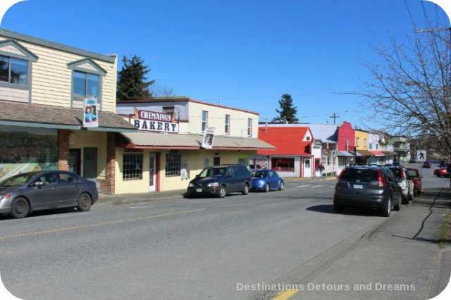 Murals in Chemainus, British Columbia (Muraltown): Oak Street