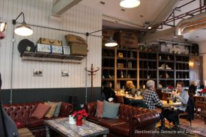 Parcel Yard pub at King's Cross Station