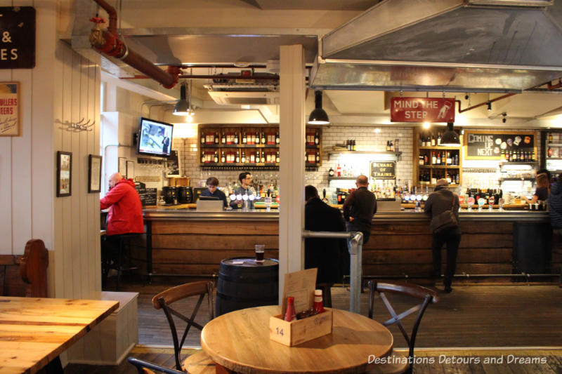 parcel Yard pub in King's Cross Station, London, England