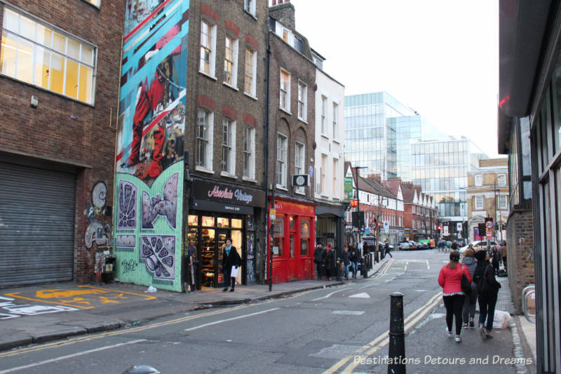 london street art in brick lane destinations detours and dreams. Black Bedroom Furniture Sets. Home Design Ideas