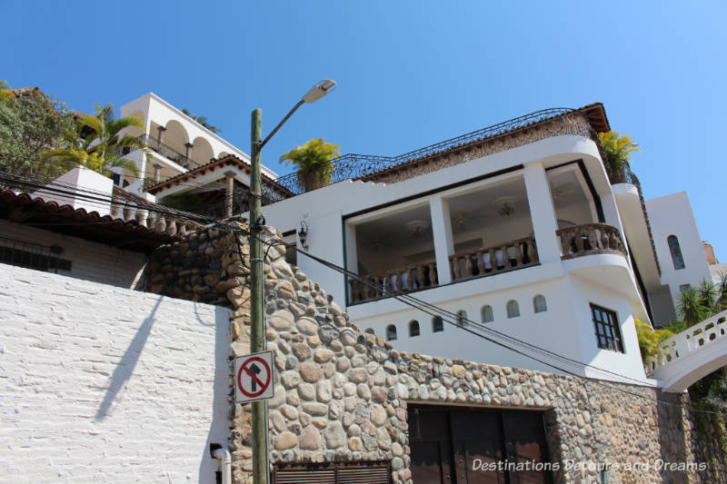 The Colourful Architecture and History of Gringo Gulch, Puerto Vallarta, Mexico: Casa Kimberley
