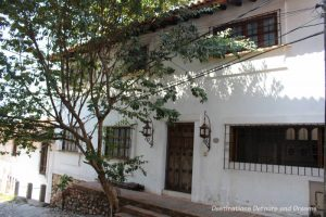 The Colourful Architecture and History of Gringo Gulch, Puerto Vallarta, Mexico: relatively plain white exterior