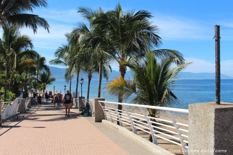 Strolling the Puerto Vallarta Malecón: the Malecón extension