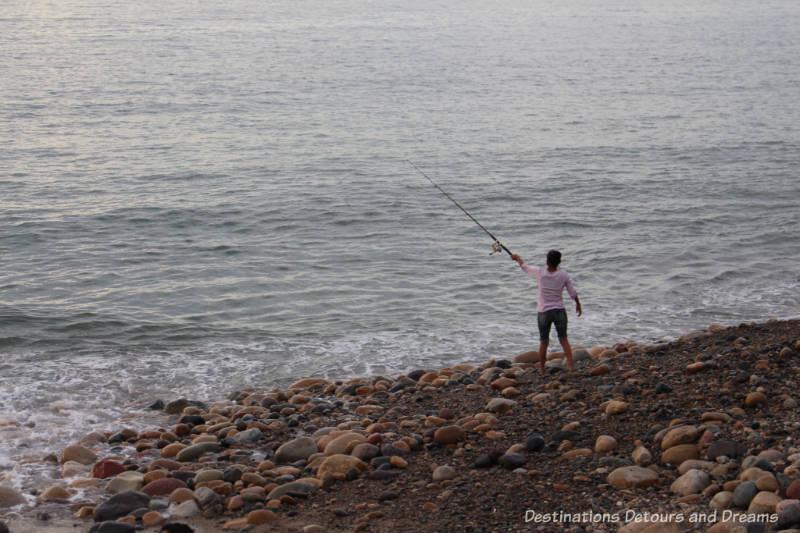 Strolling the Puerto Vallarta Malecón:: fishing