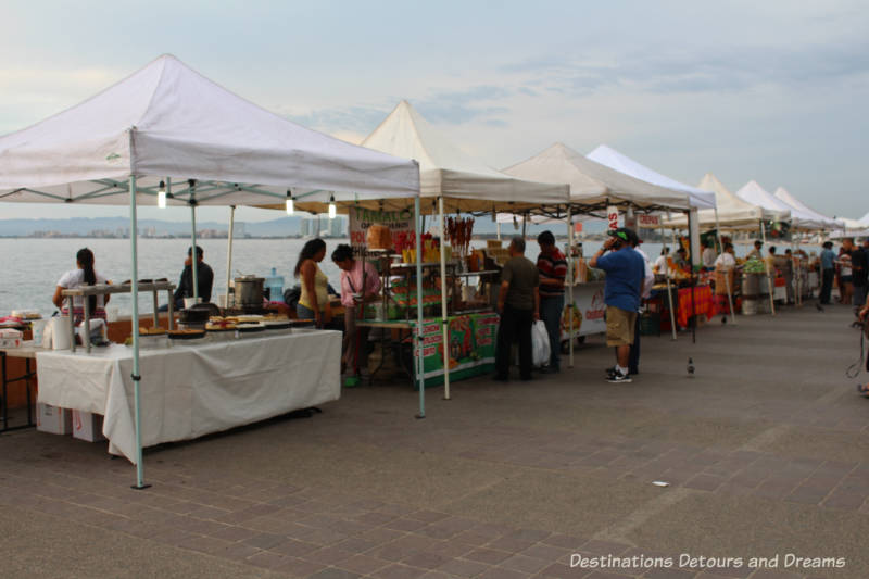Strolling the Puerto Vallarta Malecón: food vendors