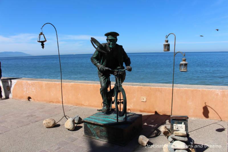 Strolling the Puerto Vallarta Malecón: a living statue